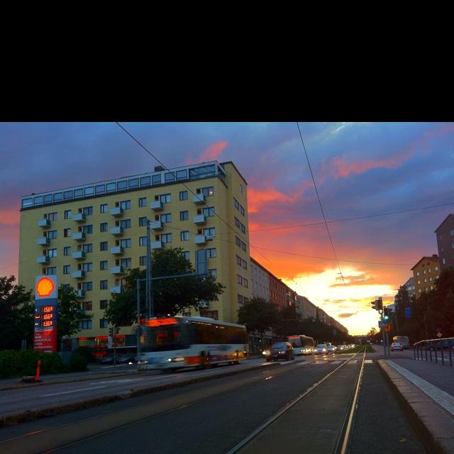 Tullinpuomin talo ja Mannerheimintie, Helsinki, Finland.