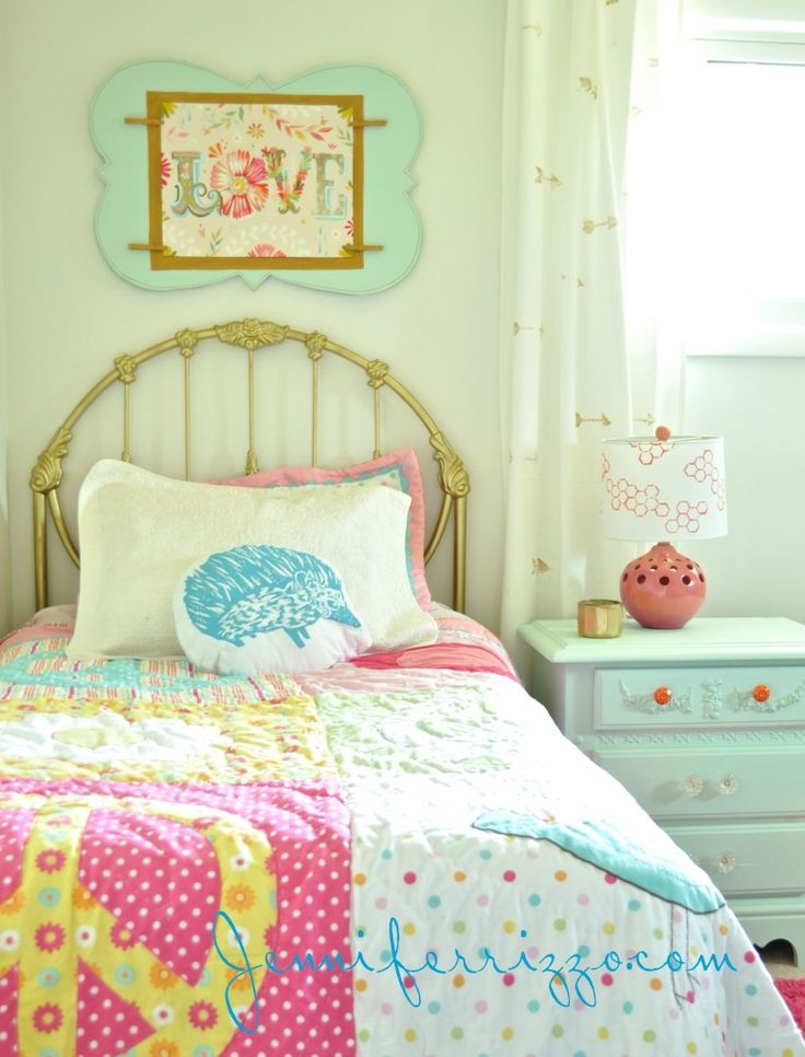 158 best girl 39 s room design ideas images on pinterest for Bright bedroom wallpaper