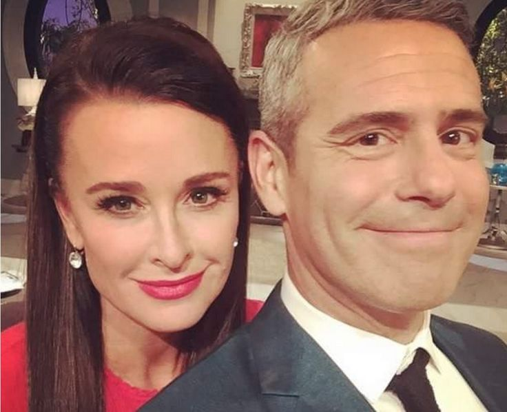 Kyle Richards' Real Housewives of Beverly Hills Season 5 Reunion Earrings http://www.bigblondehair.com/real-housewives/rhobh/kyle-richards-real-housewives-of-beverly-hills-season-5-reunion-earrings/