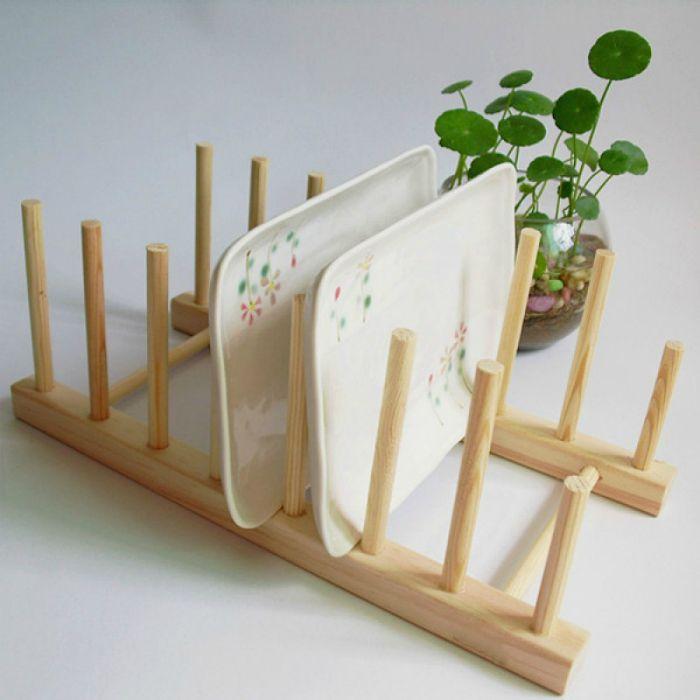 Деревянная подставка для посуды.