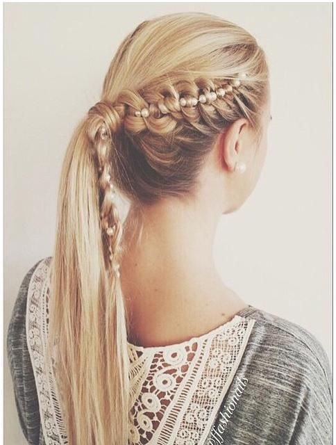 viking braid into ponytail with a pearl necklace from ffashionails. How amazing is this?
