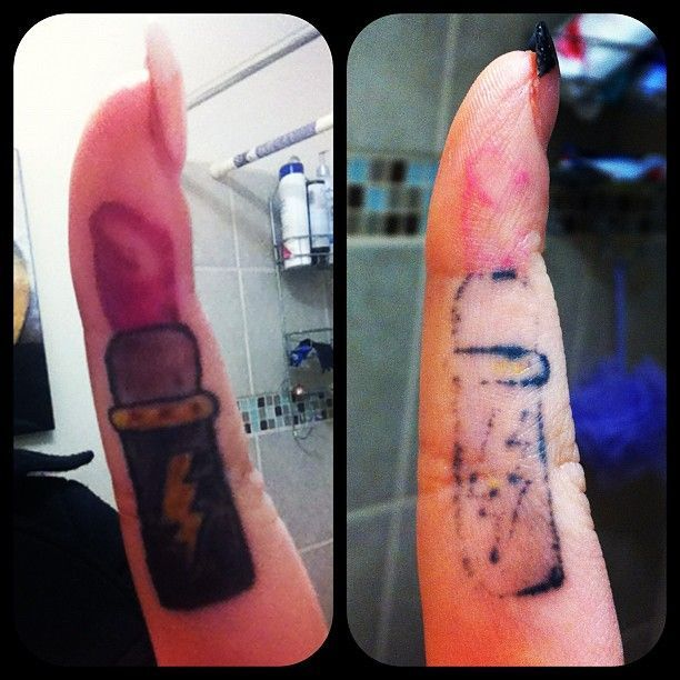 Tattoo 39 s for faded finger tattoos aging tattoos for Do tattoos on hands fade