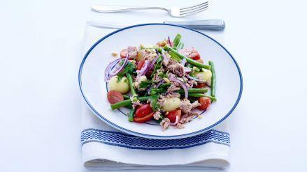 Aardappelsalade met tonijn - Recept - Allerhande - Albert Heijn