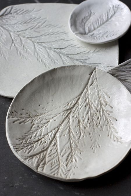 diy evergreen plates http://www.blog.designsquish.com/index.php?/site/organic_inspiration1/