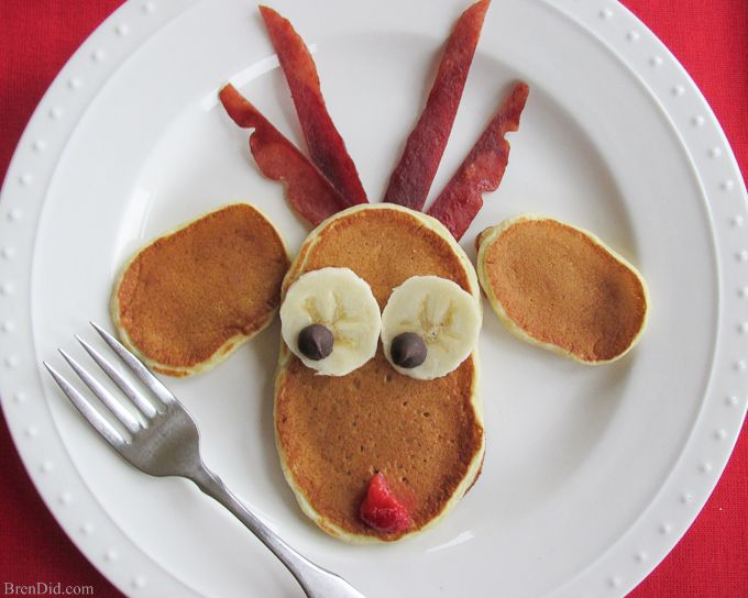 This simple breakfast recipe for Reindeer Christmas pancakes is easy & adorable! Made with Greek yogurt & honey they are sweet enough to eat without syrup.