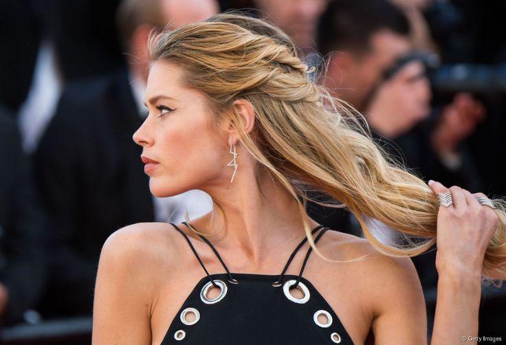 Pour la montée des marches du film  Youth , Doutzen Kroes a craqué pour une coiffure très gipsy.