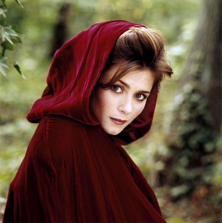 Anna Friel as Leah Shaw