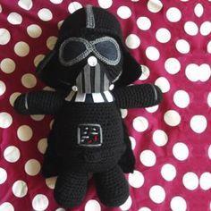 Amigurumi Darth Vader de la Guerra de las Galaxias - Patrón Gratis en Español