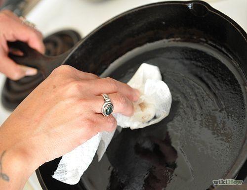 Cómo curar ollas de hierro fundido - wikiHow
