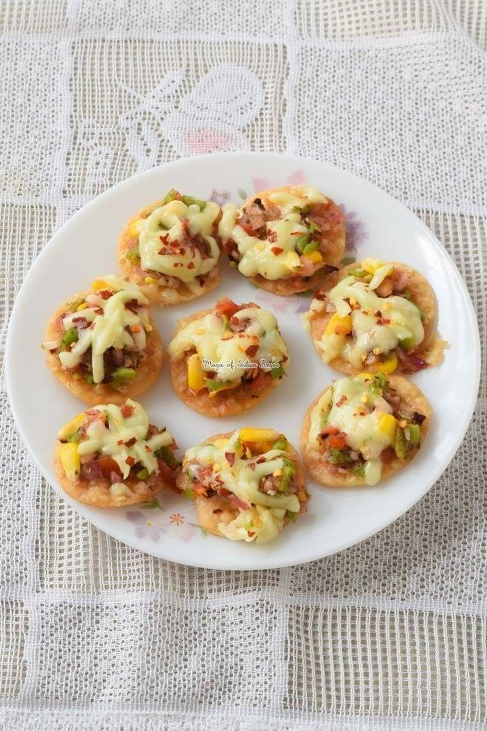 Papadi Pizza Bites - Easy Party Starter Recipe - पापड़ी पिज्जा बाइट - आसान पार्टी स्टार्टर रेसिपी - Priya R - Magic of Indian Rasoi  Watch Video: https://youtu.be/WuULOnNyQ2Q Recipe: http://www.magicofindianrasoi.com/2017/11/papadi-pizza-bites-easy-party-starter-recipe.html  #PartyStarter #PapadiTarts #PapdiPizza #QuickRecipe #KidsSpecial #FusionStarter #IndianFoodBlogger #IndianFoodChannel #MagicofIndianRasoi #MOIR