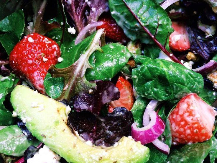 Strawberry Avocado Babyleaf Salad