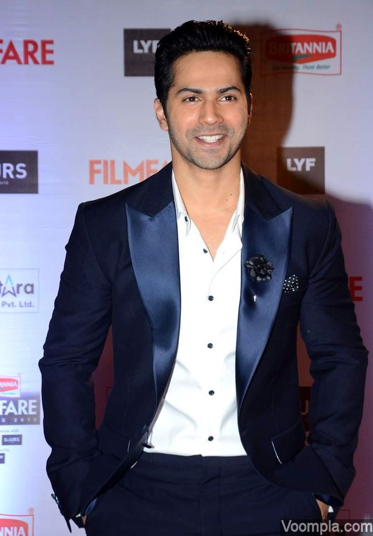 That smile! Varun Dhawan is at his dapper best in a Pratham & Gyanesh suit - styled by Allia Al Rufai. via Voompla.com
