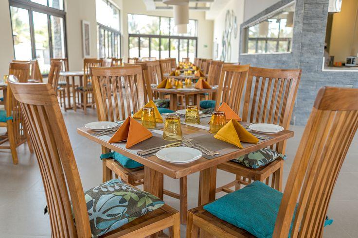 Im Restaurant wird Ihnen Frühstück für 12€ pro Person (ab 12 Jahre) für 6€ pro Kind von 3- 11 Jahre oder Halbpension(Frühstück und Abendessen) für 28€ pro Person (ab 12 Jahre) für 14€ pro Kind von 3- 11 Jahre  serviert was Sie bei uns dazu buchen können.