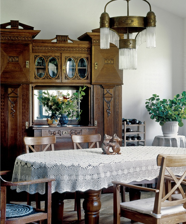 I rep inning this for nostalgia reasons... It totally reminds me of the dining room in my grandparents home that I visited often with my parents. It had such warm memories tied to the image for me :)
