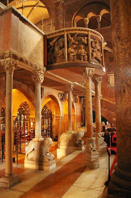 Duomo di San Geminiano - Modena, Emilia-Romagna, Italy www.brickscape.it #turismoesperienziale #brickscape #turismo