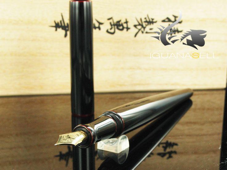 Nakaya Desk Fountain Pen, Kuro Tamenuri, Ebonite and Urushi lacquer