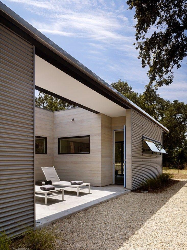 Best 25+ Metal siding ideas on Pinterest   Metal roof ...
