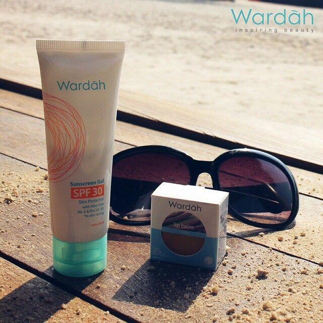 Apa rencanamu di hari Minggu yang cerah ini? Kegiatan outdoor tentu sangat seru dan menyenangkan! Jangan sampai keluhan akan kulit wajah, tubuh, dan bibirmu yang terpapar sinar matahari merusak harimu, Ladies. Pastikan kamu sudah melindungi kulit cantikmu dengan Wardah Sunscreen Gel SPF 30 dan Lipbalm, ya. Happy Sunday! ;) #wardah #sunday #beach