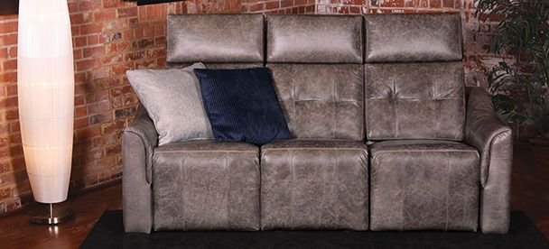 Sofa Chill - Transitional Style - Jazz Collection ------------------------------------ Sofa inclinable, appui-tête ajustable, cuir brun, plusieurs configuration disponible. Causeuse, fauteuil, salon, appartement, maison, décor, modulaire, sectionnel. Fait au Canada. ---------------------------------------- Sofa, recliner, adjustable headrest, brown leather, choose your configuration. Loveseat, accent chair, livingroom, apartment, house, decor, sectional, modular. Made in Canada.