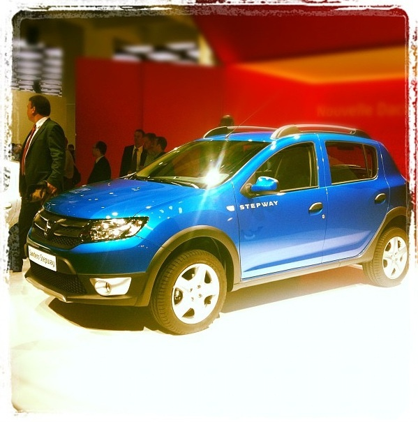 Dacia Sandero Stepway, direct de la Paris!