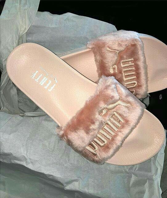 Rihanna /Puma sliders