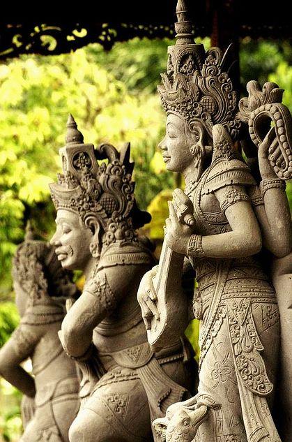Carvings, Bali