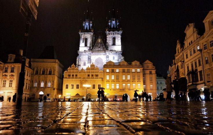 Prag Altstädter Ring bei Nacht