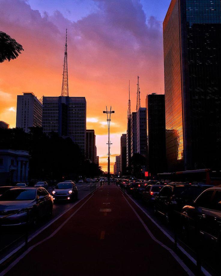 Avenida Paulista by @mr.julio.ftsart #saopaulocity #EuVivoSP