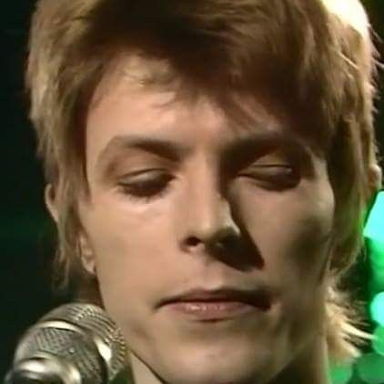 David Bowie performing Five Years.