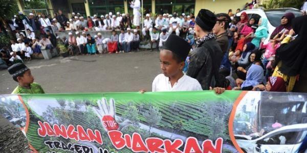 Gelar Aksi Damai, SMP Lakukan Doa Bersama di Jalur Puncak