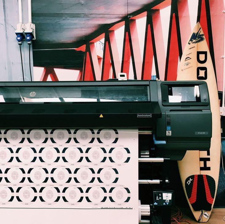 startupstickersPrinting custom sized stickers ! #startup #startupbusiness #business #sticker! #stickers #digital #startupstickers #stickers #laptopstickers #stickerbomb #logo #companylogo ##illustrator #design #adobe #art #studio #yorkshire