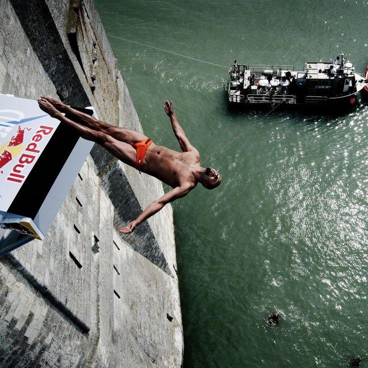 Вчера стартовал первый этап мировой серии Red Bull Cliff Diving. В этом году юбилейный Чемпионат, 60-й в истории проведения соревнований... О том, что это и как проходит, можно посмотреть видюшку на нашем сайте, это по-истине красивое зрелище! #action_lab
