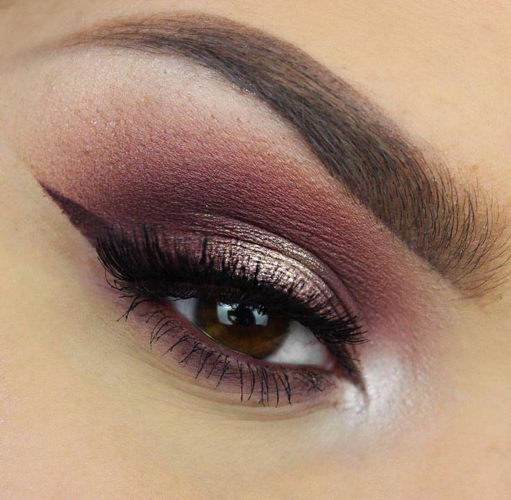 Un look con tonos rosas nunca pasa de moda. #EyeLook #Ojos #Morphe