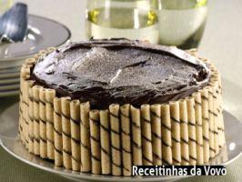 Veja a receita: Bolo de chocolate com amêndoas