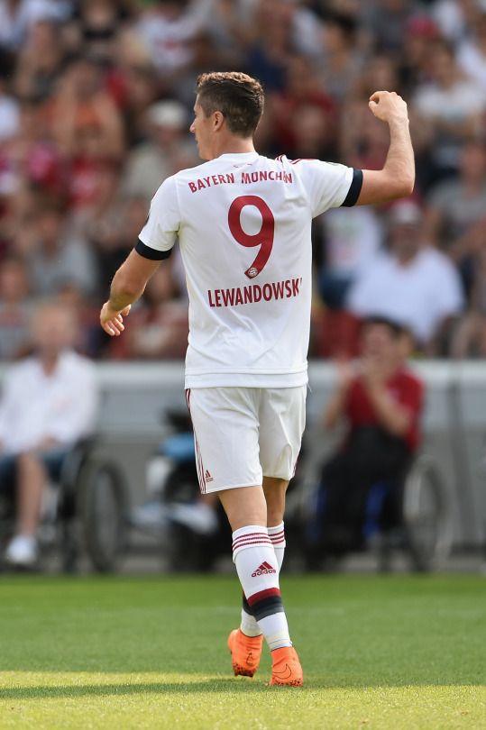 Robert Lewandowski #footballislife