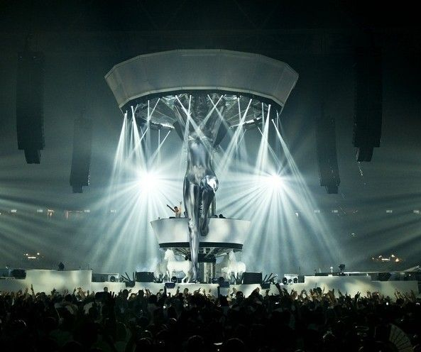 Sensation Amsterdam 2016: Angels vs Demons theme. Dress black OR white this year!