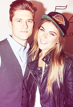 aaron tveit and serinda swan (aka mike and Paige from Graceland) ❤