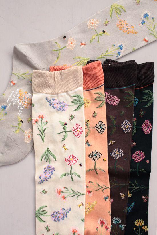 WONDERFUL FLOWERS high socks