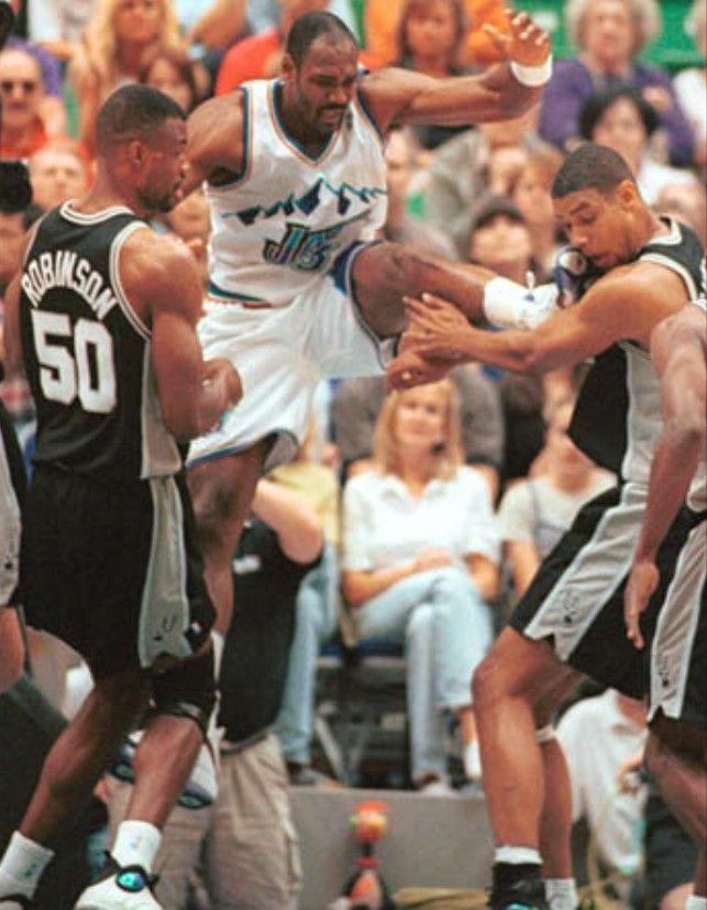 Karlmalone Vs Timduncan Malone Mailman Utahjazz Jazz Utah Nba Duncan Davidrobinson Sanantoniosp Karl Malone Nba Basketball Art Basketball Legends