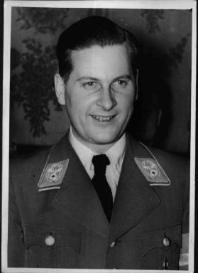 prisonernumber7:  Baldur von Schirach  REICHSLEITER- GAULEITER OF WIEN UND Reichsjugendführe, BALDUR VON SCHIRACH