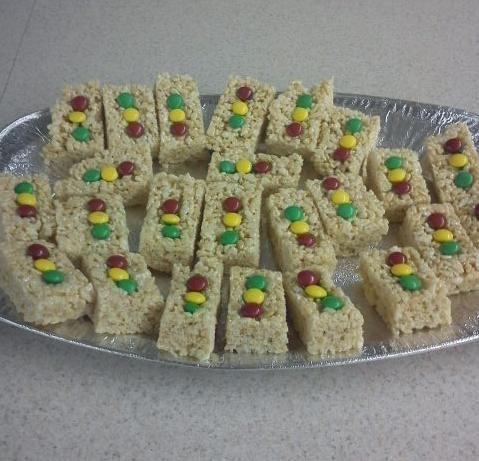 Pinewood Derby Snack - Stop Lights Rice Krispie Treats.