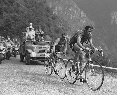 Fausto Coppi vs Jean Robic. The ultimate cyclist of his era.