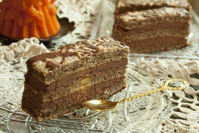 Retete Culinare - Prajitura cu nuca si ciocolata