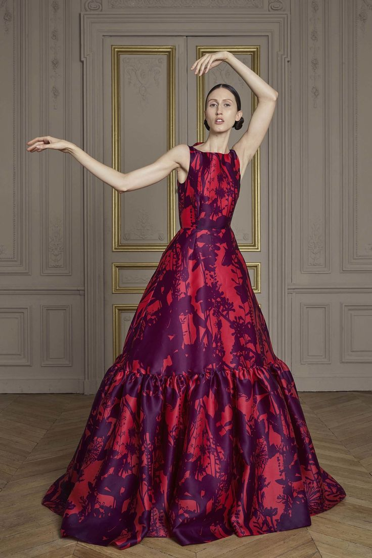 Giles Deacon | Fall 2016 Couture | 10 Purple/red printed sleeveless maxi dress