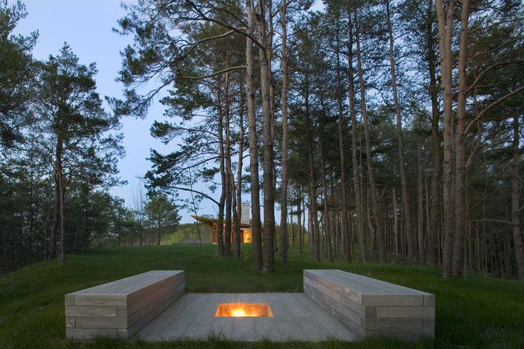 Ridge House by Bohlin Cywinski Jackson - great firepit