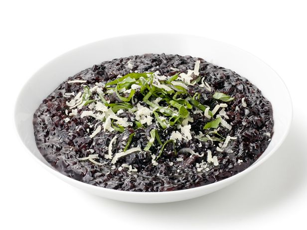 Black Rice Risotto Black rice has the same antioxidants as blueberries. The grain is loaded with anthocyanin, the antioxidant responsible for the inky blue color of blueberries and acai, and it has a toasted nutty flavor—some even say it smells like freshly baked bread.