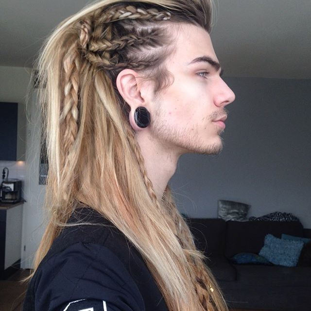 starting to feel like these side profile shots of 39 intricate 39 hairstyles are taking over my. Black Bedroom Furniture Sets. Home Design Ideas