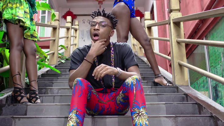 """DJ Consequence – Blow The Whistle Ft Mayorkun DJ Consequence – Blow The Whistle. Superstar disc jockeyDJ Consequencelinks upDMWpop starMayorkunfor his fresh single titled """"Blow The Whistle"""". Check it out. SEE ALSO:D'Banj – EL Chapo Ft Gucci Mane &... #naijamusic #naija #naijafm"""
