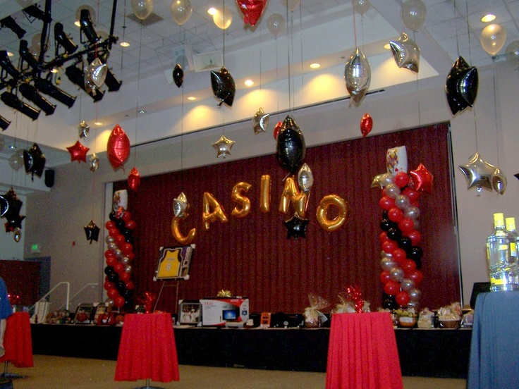 37 best images about casino theme balloon decor on for Balloon decoration machine