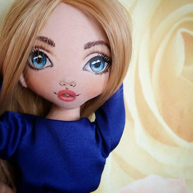 Я не могу остановиться... Держите меня семеро...на сегодня последняя, когда-нибудь еще покажу ее, а то надоем Вам #torrytoys #кукларучнойработы #кукланазаказ #кукла #куклавподарок #интерьернаякукла #kukla #moscow #dubai #dubaifashion #textildoll #collectiondolls #livemaster #ragdoll #createdoll #handmadedoll #popularphoto #beautiful